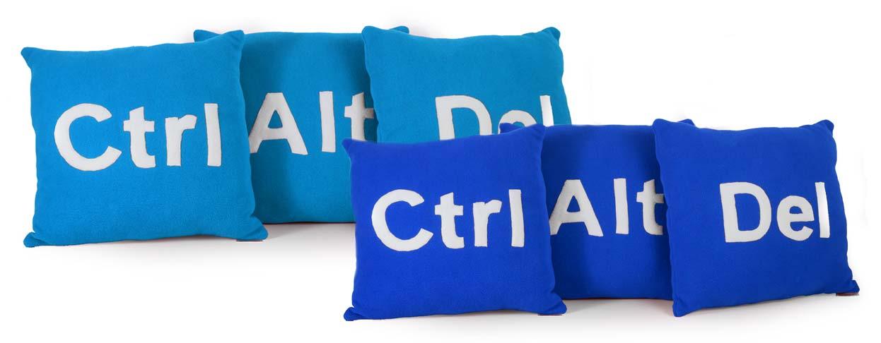 Nové farebné kombinácie vankúšov Ctrl Alt Del