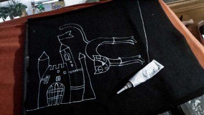 Príprava vankúšika s kresleným príbehom