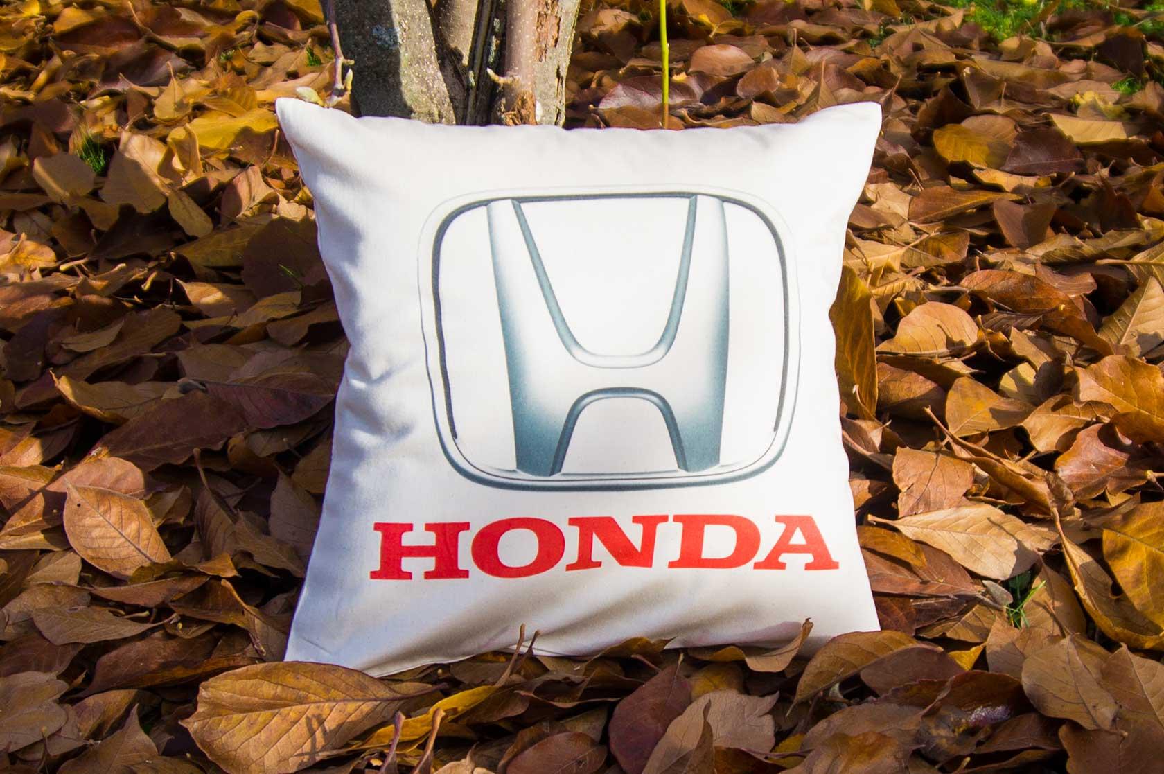 Dekoračný vankúšik s logom Honda