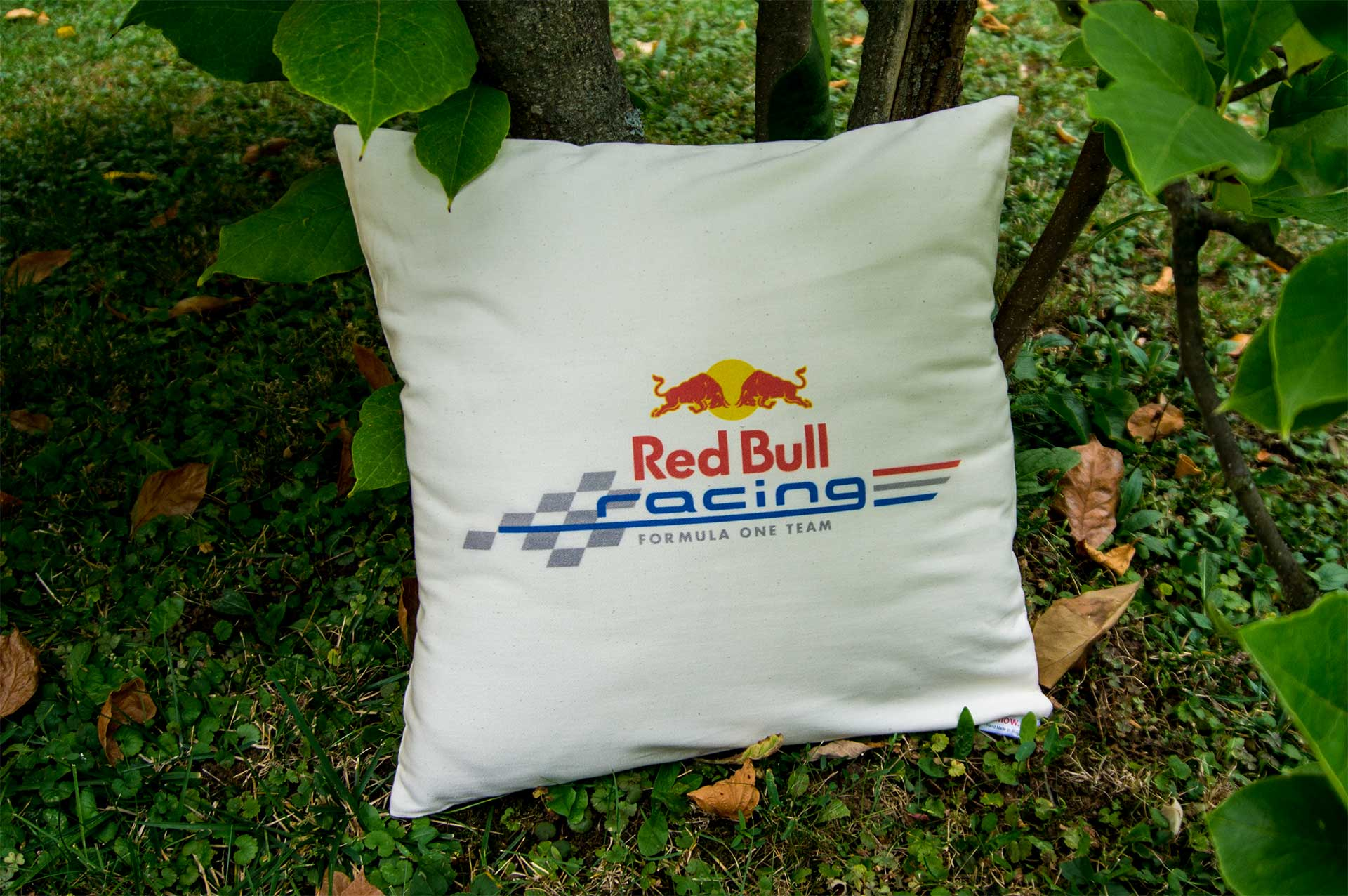 Bavlnený vankúš s logom Red Bull Racing
