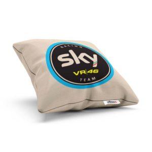 Vankúšik s logom pretekárskeho teamu Sky Racing Team VR46 z MotoGP