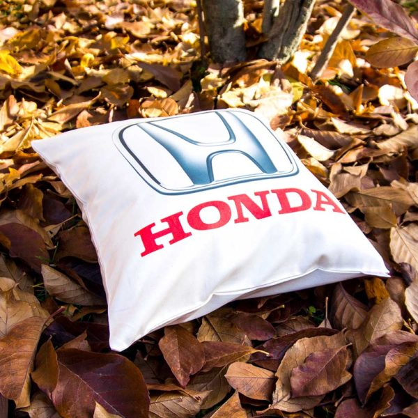Vankúšik s logom Japonskej automobilovej značky Honda