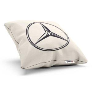 Vankúšik s logom automobilovej značky Mercedes Benz