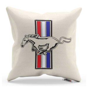 Vankúš s logom legendárneho automobilu Mustang