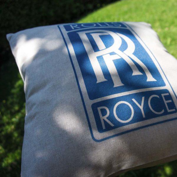 Vankúšik s logom automobilky Rolls Royce
