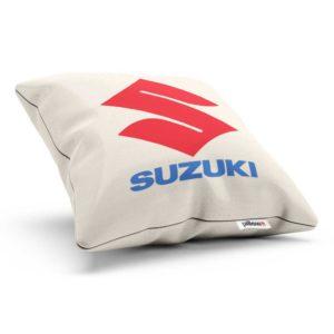 Vankúšik s logom automobilovej značky Suzuki