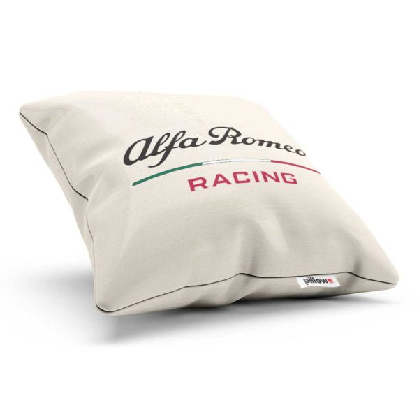 Vankúš s logom automobilového teamu Alfa Romeo Racing