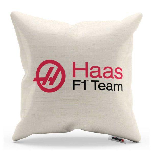 Vankúš s logom pretekárskeho teamu Haas F1 Team