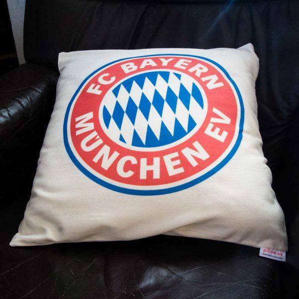Dekoračný vankúš s logom klubu FC Bayern Mníchov