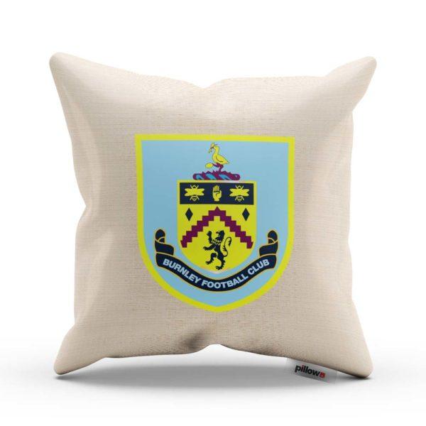 Vankúš Burnley s logom futbalového klubu z Premier League