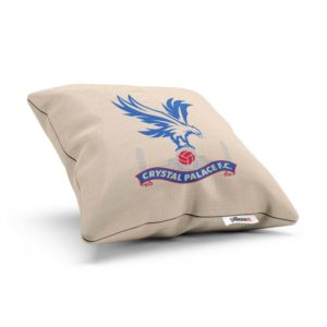 Vankúšik Crystal Palace s logom futbalového klubu z Premier League