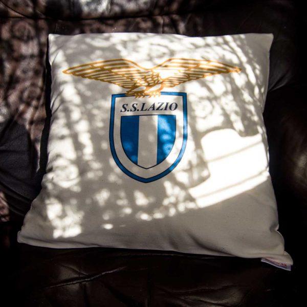 Vankúš Lazio Roma s logom futbalového teamu zo Serie A