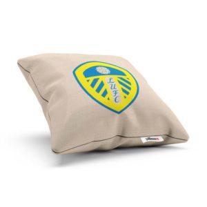 Žlto modré logo FC Leeds na vankúši s obliečkou