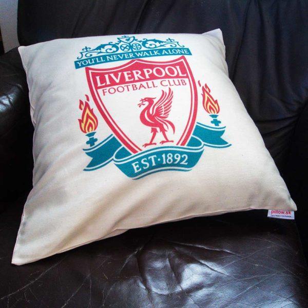 Liverpool futbalový klub, farebné loga na vankúši
