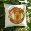 Vankúš s logom futbalového klubu Manchester United