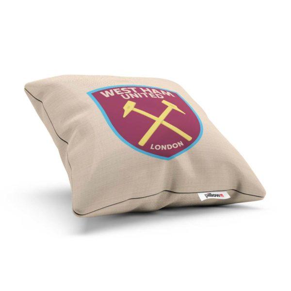 West Ham United - vankúš s futbalovým znakom -položený
