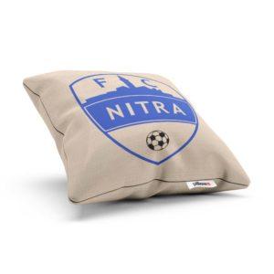 Vankúš s logom futbalového klubu FC Nitra