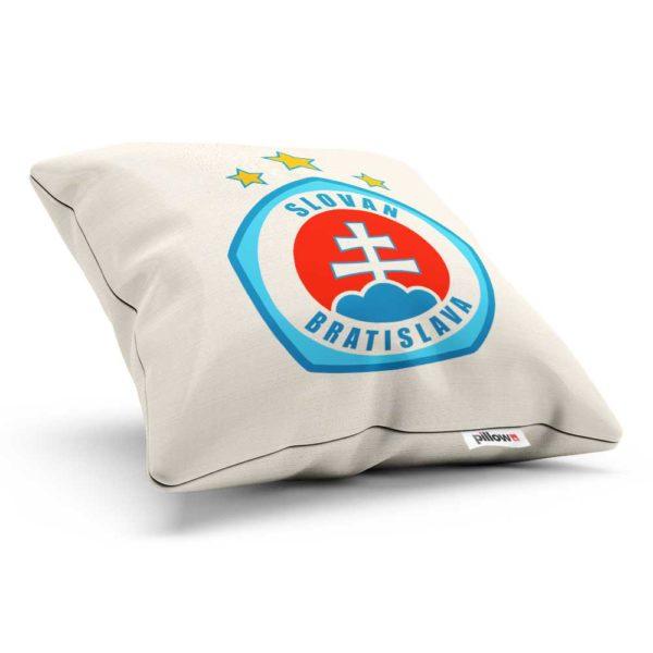 Vankúš s logom futbalového klubu ŠK Slovan Bratislava