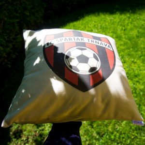 Vankúš s logom klubu FC Spartak Trnava