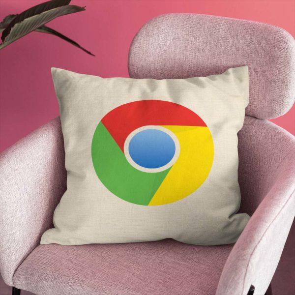 Bavlnený dekoračný vankúš s logom Google Chrome ozdobí každú sedačku a aj pri oddychu na ňom môžete ďalej surfovať