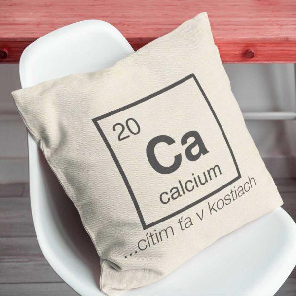 Vankúš chemického prvku Vápnik v peknej farbe s humorným nápisom