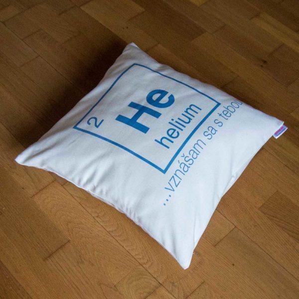 Vtipný darčekový vankúš s periodickým prvkom Hélium