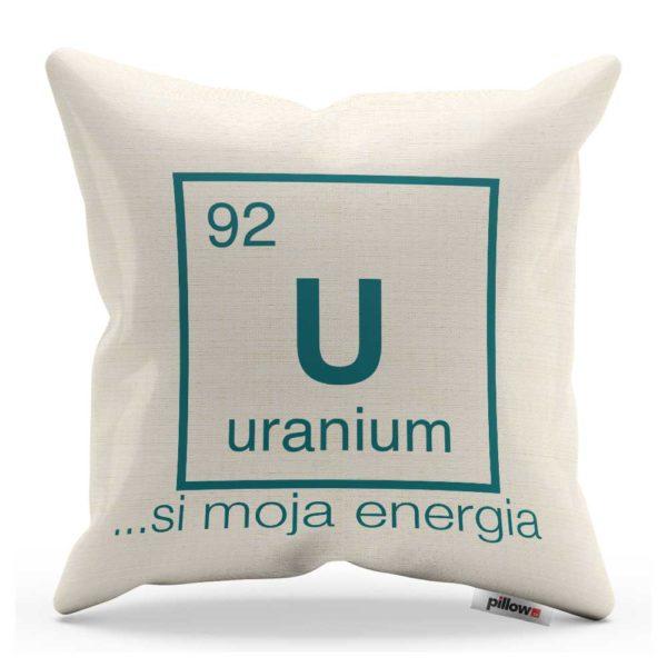 Vankúš s vtipným nápisom a chemickým prvkom Urán
