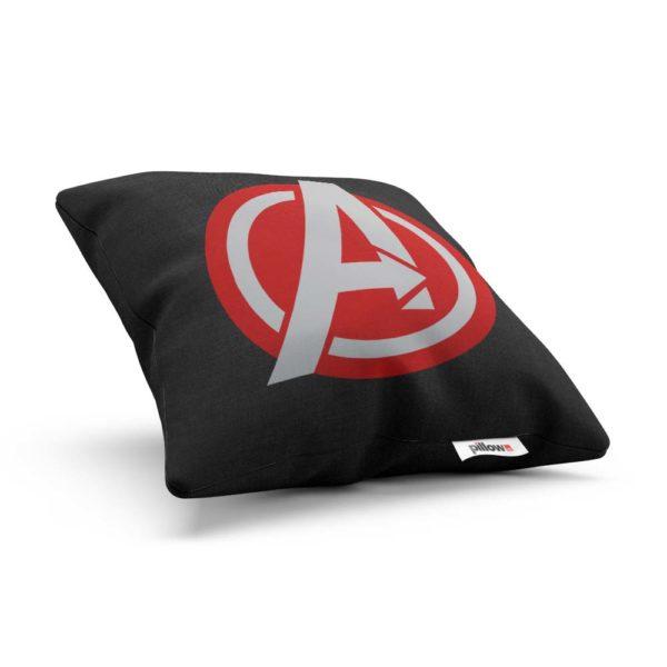 Vankúšik s logom Avengers s vymeniteľnou obliečkou a ľahkou údržbou