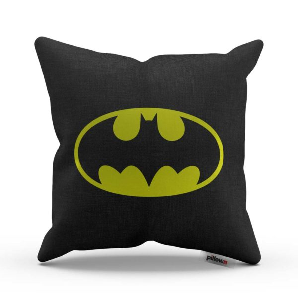 Čierny vankúš so symbolom Batman