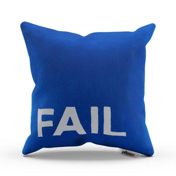 Modrý tajomný vankúš s nápisom FAIL Vám pripomína zlé dni keď sa nedarí