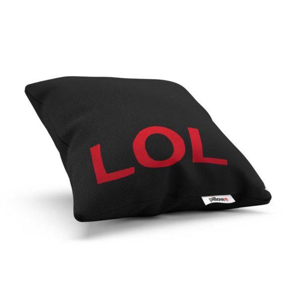Čierny vtipný a štýlový vankúš s logom v červenej farbe LOL