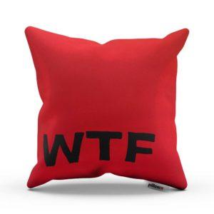 Červený neprehliadnuteľný vankúš s textom WTF pre každého fanúšika internetu